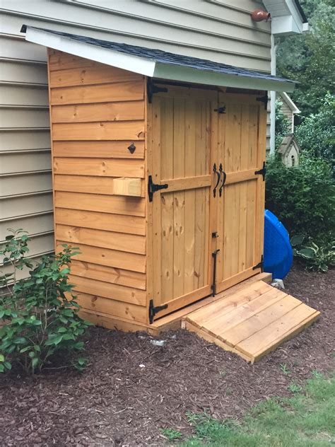 Diy Backyard Sheds by White Picket Storage Shed Diy Projects