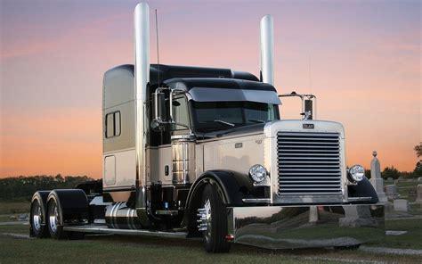 18 Wheeler Semi Truck Wallpaper by Semi Truck Wallpapers Wallpaper Cave