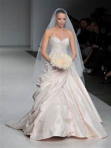 reese witherspoon blushing bride in light pink wedding With reese witherspoon wedding dress