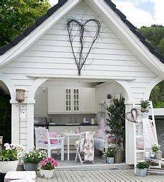 9 She Sheds We Want to Live in Right This Second