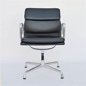 Vitra Stühle Gebraucht : vitra eames plastic armchair daw creme ~ Markanthonyermac.com Haus und Dekorationen
