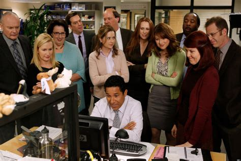 The Office Images The Office Finale Cast Preview Big Emotional