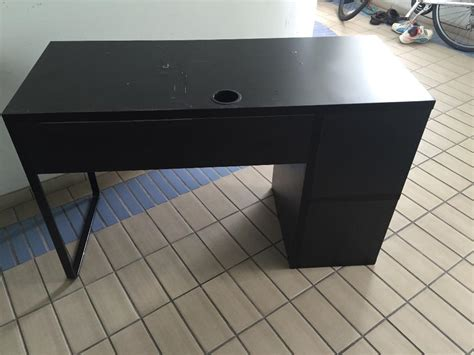 3m has been one of the market leaders in introducing lamps that care for our eyes. IKEA computer table for sale, Singapore