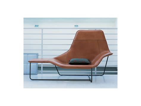 chaise slick slick buy the zanotta 921 lama chaise longue at nest co uk