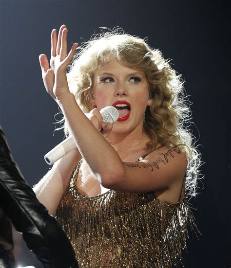 Taylor Swift at Prudential Center: song by song - nj.com