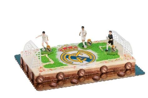 decoration gateau anniversaire football kit d 233 coration g 226 teau anniversaire football
