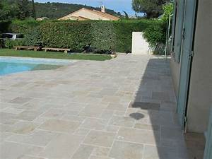 Travertin Exterieur Piscine : carrelage petit opus travertin beige vieilli multi format dallage piscine as de carreaux ~ Nature-et-papiers.com Idées de Décoration