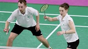 Sam and Chloe Magee through to last-16 of World Championships