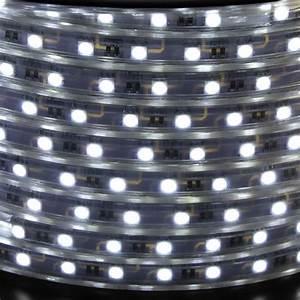 ruban led blanc froid pack 10 metres lux et deco With carrelage adhesif salle de bain avec 300 lumen led