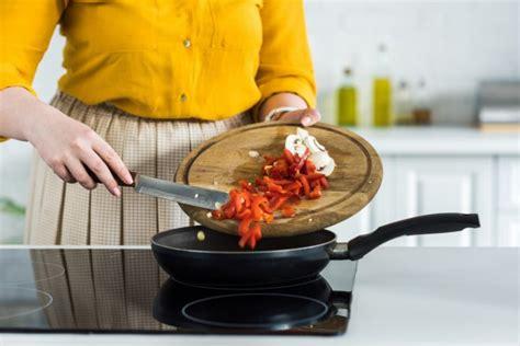pulire piano cottura come pulire il piano cottura risparmiare di mammafelice