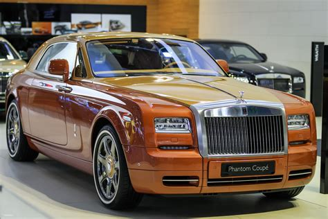 roll royce phantom 2016 rolls royce phantom production to stop in 2016 dubai
