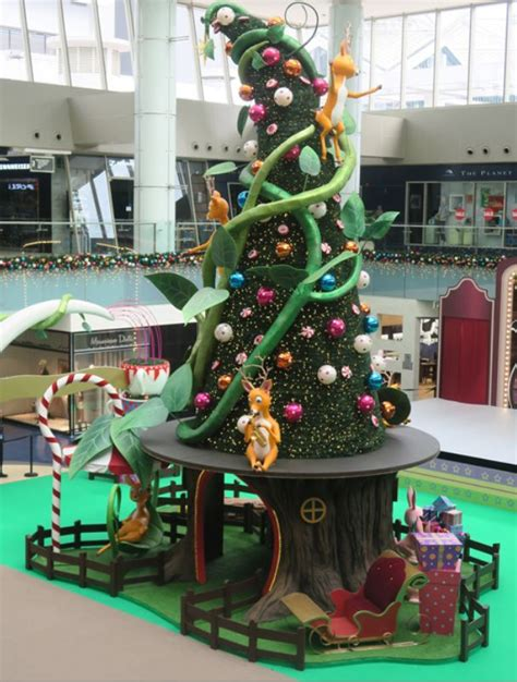 christmas decoration visual 462 best images about visual merchandising on hong kong shopping mall