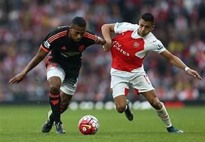 Bryan Robson urges Manchester United to sign Arsenal ...