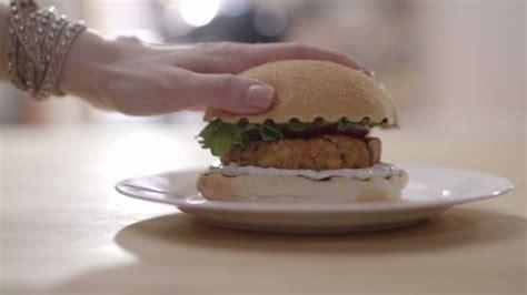 cuisine fut saumon burger au saumon cuisine futée parents pressés