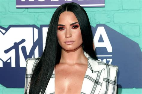 Demi Lovato Mess For Months Before Apparent Overdose