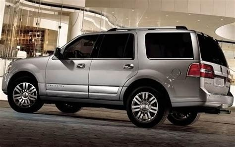 how to fix cars 2011 lincoln navigator navigation system used 2011 lincoln navigator for sale pricing features edmunds