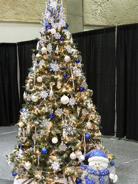 Decorating Ideas For Trees by 34 Beautiful Tree Decorating Ideas World