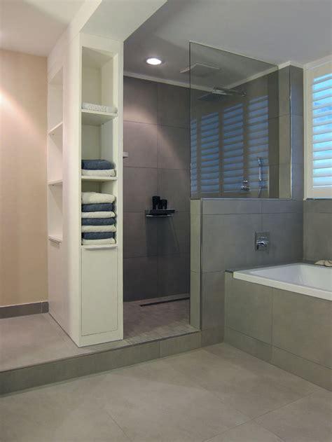 Badezimmer Fliesen Kombination by Graue Fliesen Dusche To Bad Dusche Fliesen