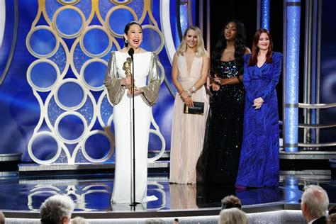 sandra oh acceptance speech golden globes 2019 host sandra oh gives the night s most