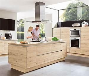 Küche Modern Mit Kochinsel Holz : holzk chen nach ma kostenlose planung bietet ihnen m bel h ffner ~ Bigdaddyawards.com Haus und Dekorationen