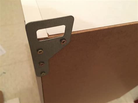 comment fixer un meuble haut de cuisine dans du placo fixer un meuble haut de cuisine