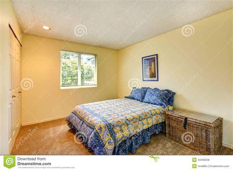 chambre en osier chambre à coucher ene ivoire molle avec le coffre en osier