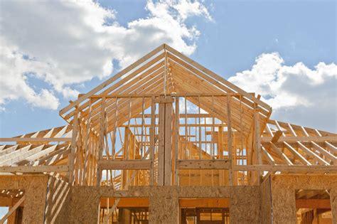 Wichtig Bei Der Dachbeschichtung Der Dachstuhl by Dachstuhl Was Beim Bau Zu Beachten Ist Www Bauwohnwelt At