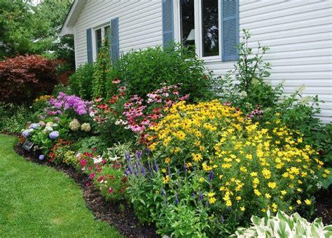 Garten Gestalten Hauswand by Farbenfrohes Blumenbeet An Der Hauswand Gestalten