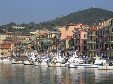 porto imperia porto oneglia imperia consists of the two historical