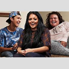 Gogglebox Has Another Spinoff Lined Up  Teenagers Watching Tv On Their Phones  Mirror Online