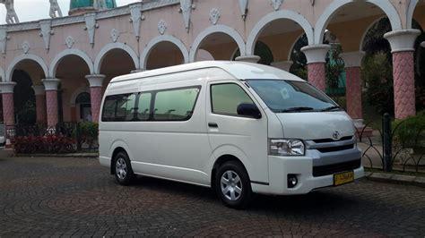 Mobil Toyota Hiace by Sewa Mobil Toyota Hiace Commuter Jakarta Rental Toyota Hiace