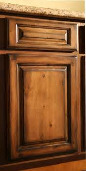 hutch kitchen furniture pecan rustic glaze kitchen cabinets finish sle rta ebay