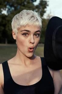 idã es coupe de cheveux 114 magnifiques photos de coiffure courte archzine fr