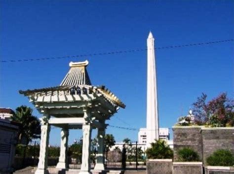 tempat wisata  surabaya tugu pahlawan surabaya