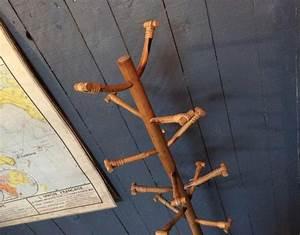 Porte Photo Sur Pied : porte manteau sur pied en rotin ~ Teatrodelosmanantiales.com Idées de Décoration