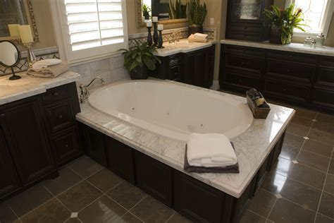 Big Soaker Tub by 24 Luxury Master Bathroom Designs With Centered Soaking Tubs