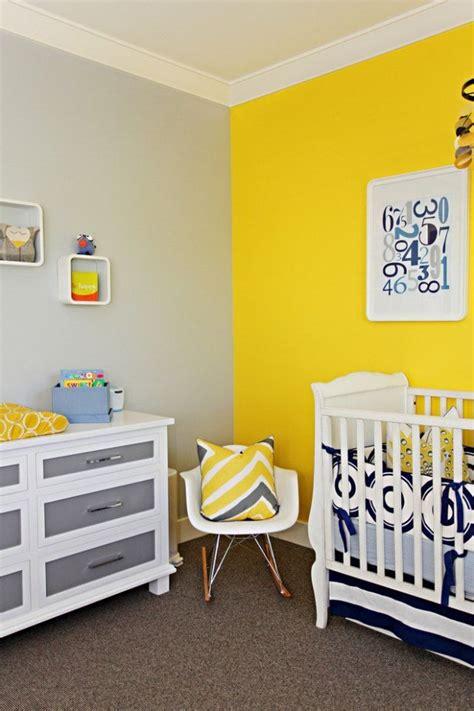 chambre jaune et gris peinture chambre enfant et bébé