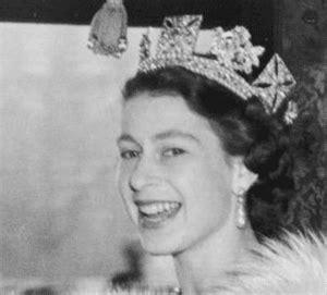 エリザベス 女王 若い 頃
