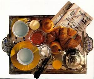 Petit Dejeuner Au Lit : bonjour petit dejeuner ~ Melissatoandfro.com Idées de Décoration