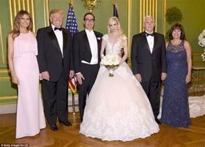 Steven Mnuchin Marries Fiancee In Dc Ceremony Daily Mail