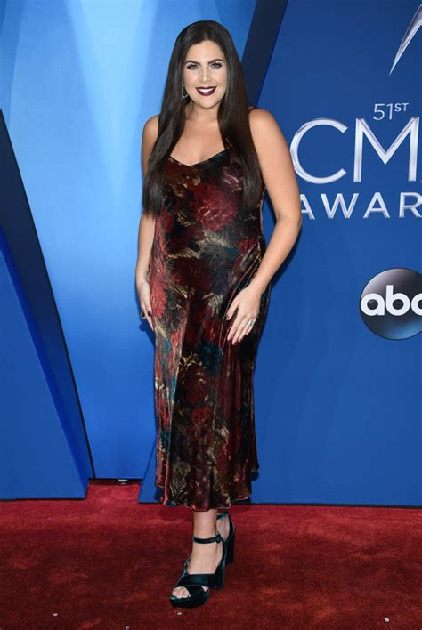 Photos 2017 Cma Awards Red Carpet Fashion Abc7newscom