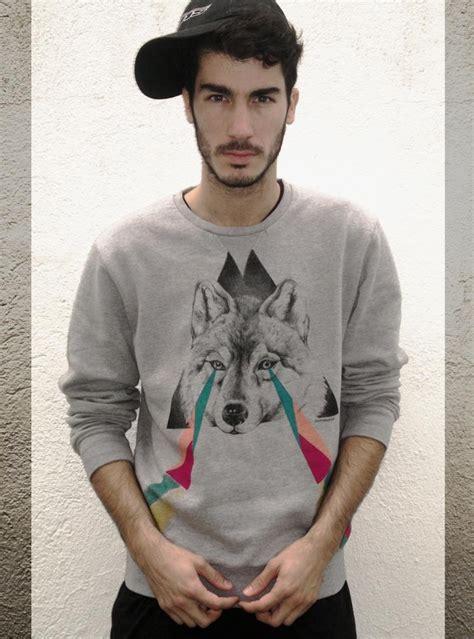 wolf sweater simple black trousers grey graphic sweatshirt snapback