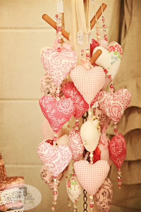 14 beautiful valentine s day fabric quilting projects to