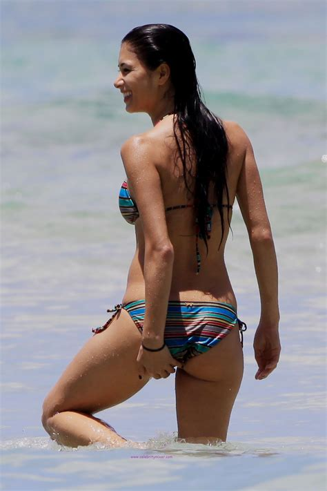 Nicole Scherzinger Touching Her Ass in Wet Bikini at Beach in Hawaii HQ Photo – Naked Celebrity ...