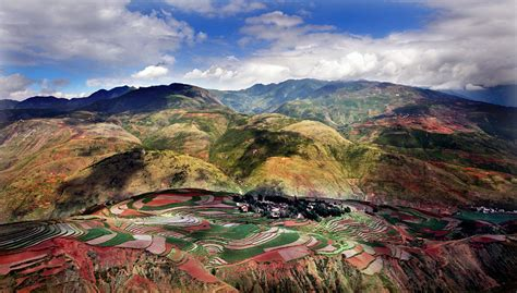 dongchuan rice field  yunnan thousand wonders
