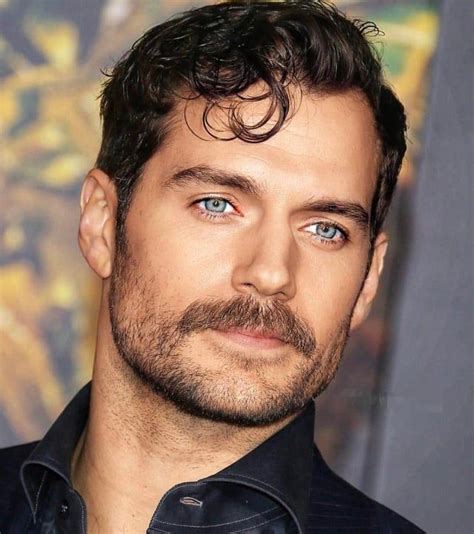 Henry Cavill-those eyes, that mustache, those curls, a ...