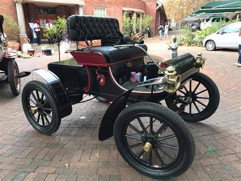 1904 Curved Dash Oldsmobile One