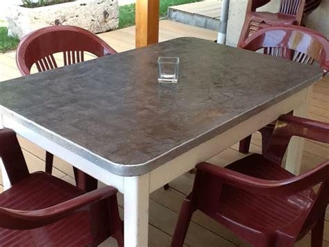 relooker une table de cuisine table de salon en beton cire maison design bahbe com