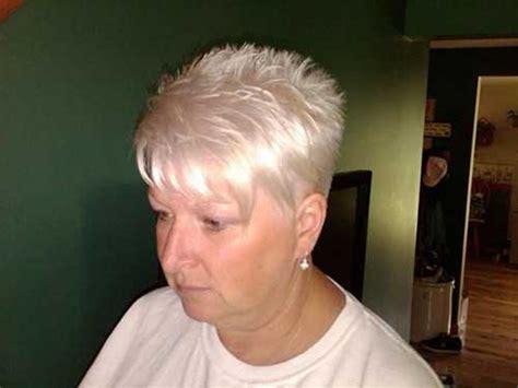 60 Best Short Haircuts For Older Women