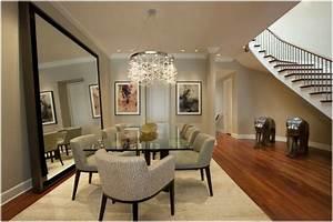 miroir salle a manger espace equilibre energie With deco cuisine avec fauteuil salle a manger design